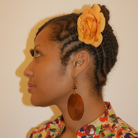 African American woman with natural hairstyle in zigzag