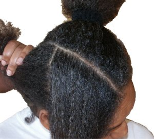 How to part and untangle natural hair